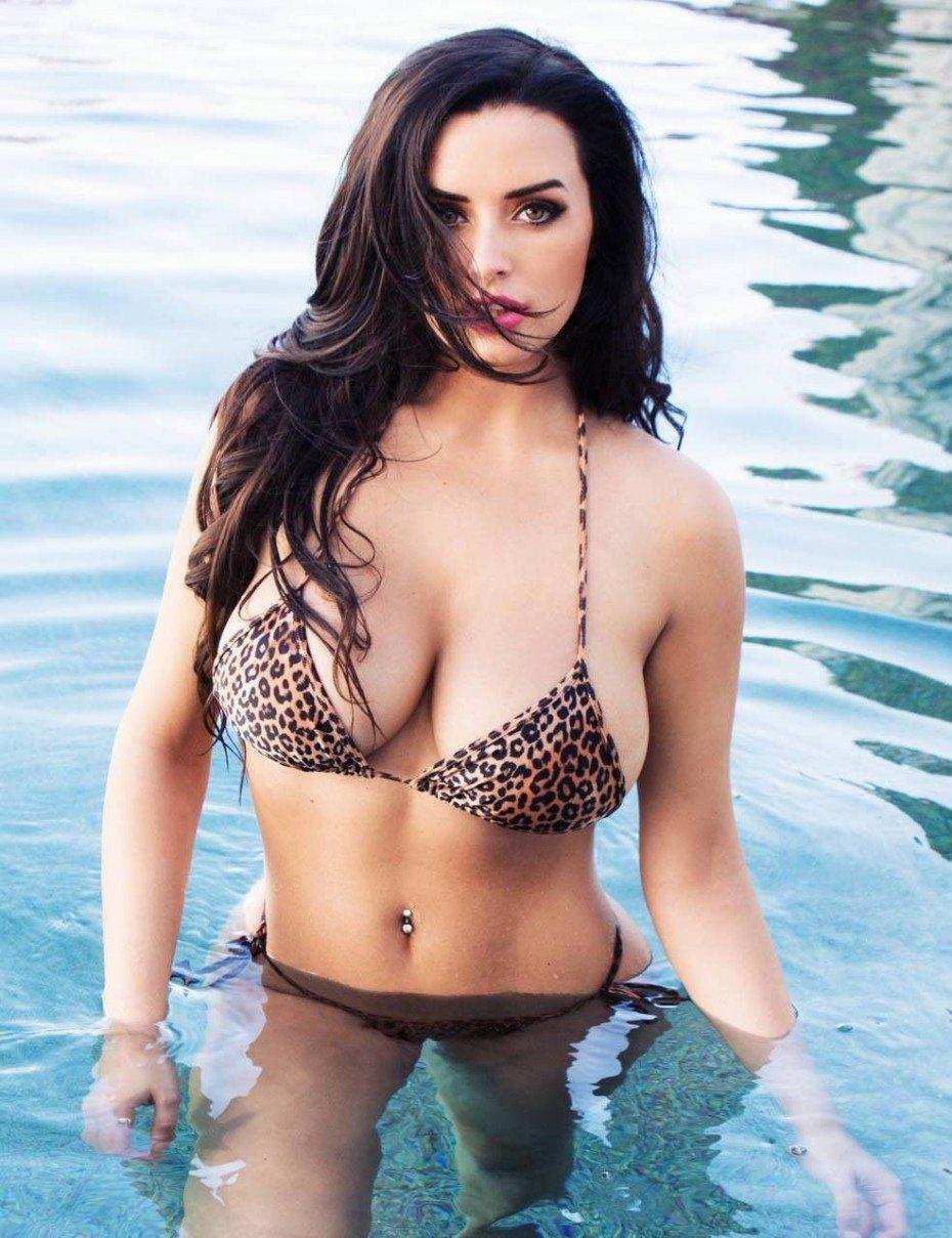 Abigail Ratchford Bikini Boobs