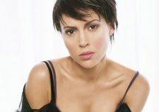 Alyssa Milano Cleavage