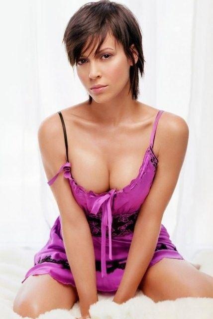 Alyssa Milano Sexy Hot Photo