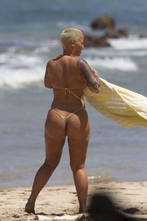 Amber Rose Topless Sexy Ass
