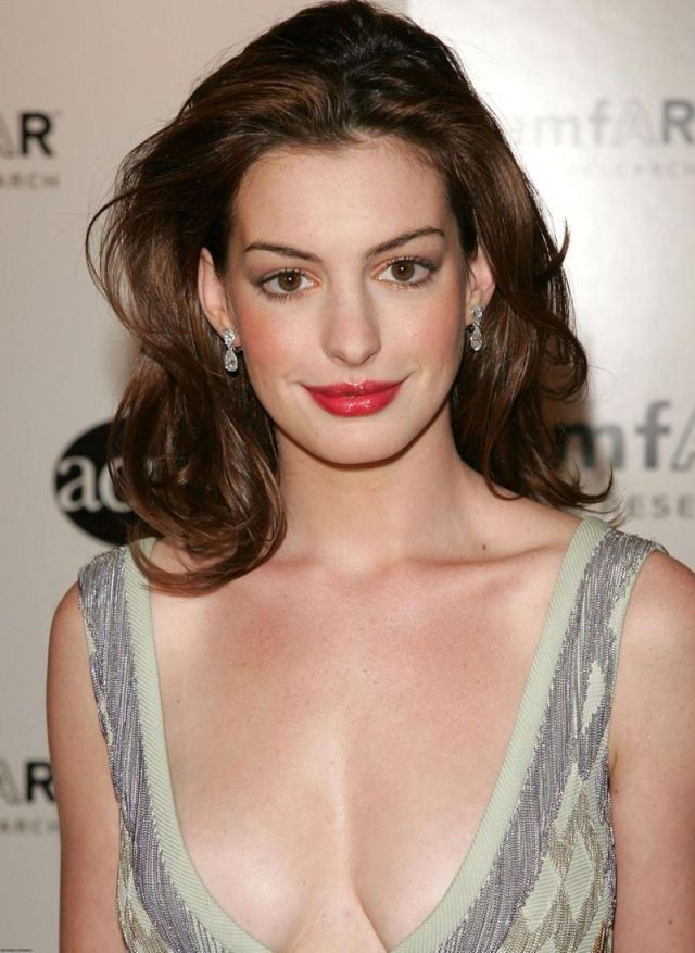 Anne Hathaway Actress Naked Hot Top Sexy HD Wallpapers