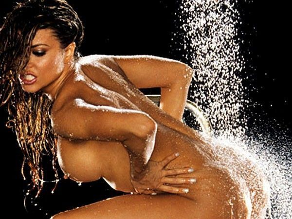 Carmen Electra Naked Body In Playboy Photoshoot