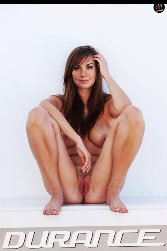 Celebrity Naked Pics Erica Durance Xxx