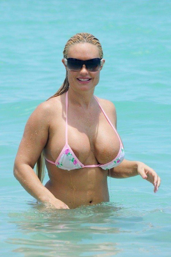 Coco Austin Nude Big Tits And Nip Slip