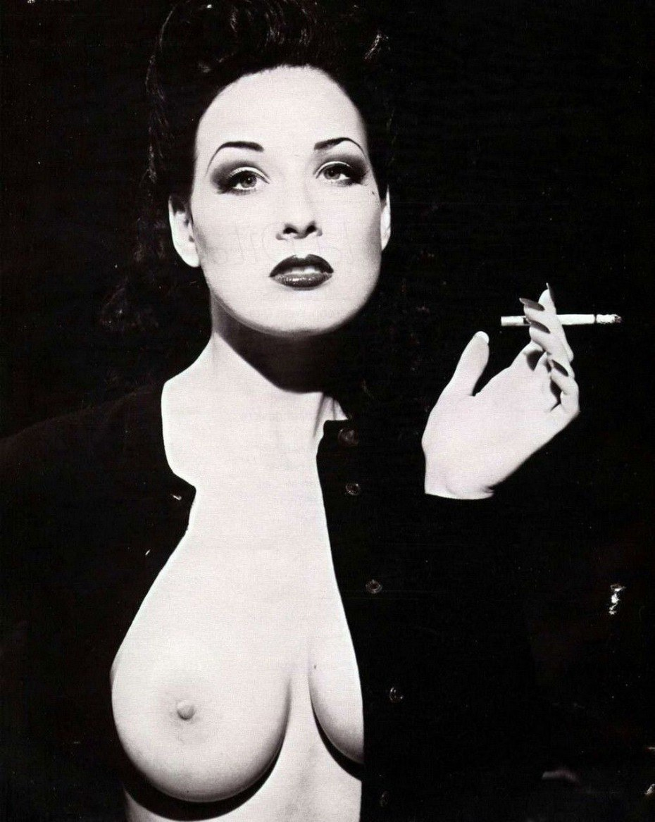 Dita Von Teese Nude Braless Big Boobs