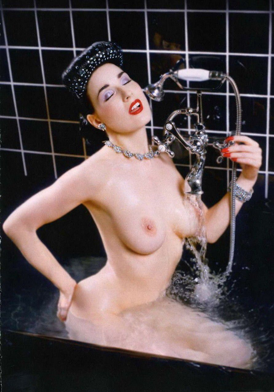 Dita Von Teese Nude Huge Tits