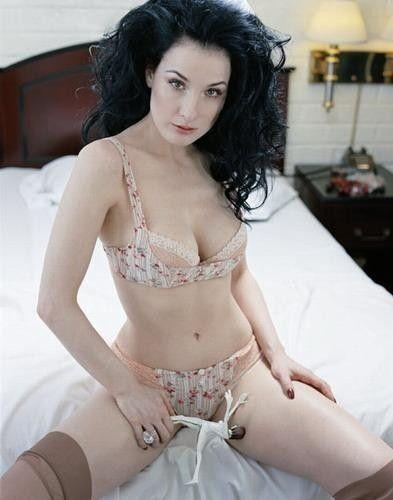Dita Von Teese Nude On Bed