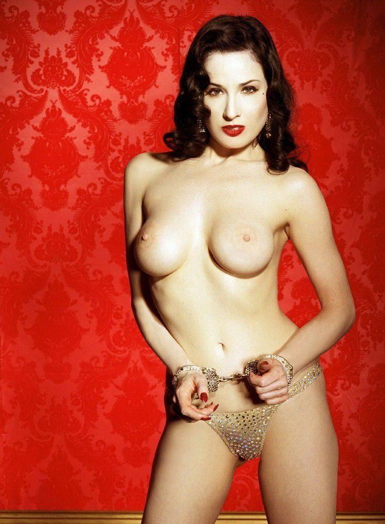 Dita Von Teese Nude Topless Large Areolas