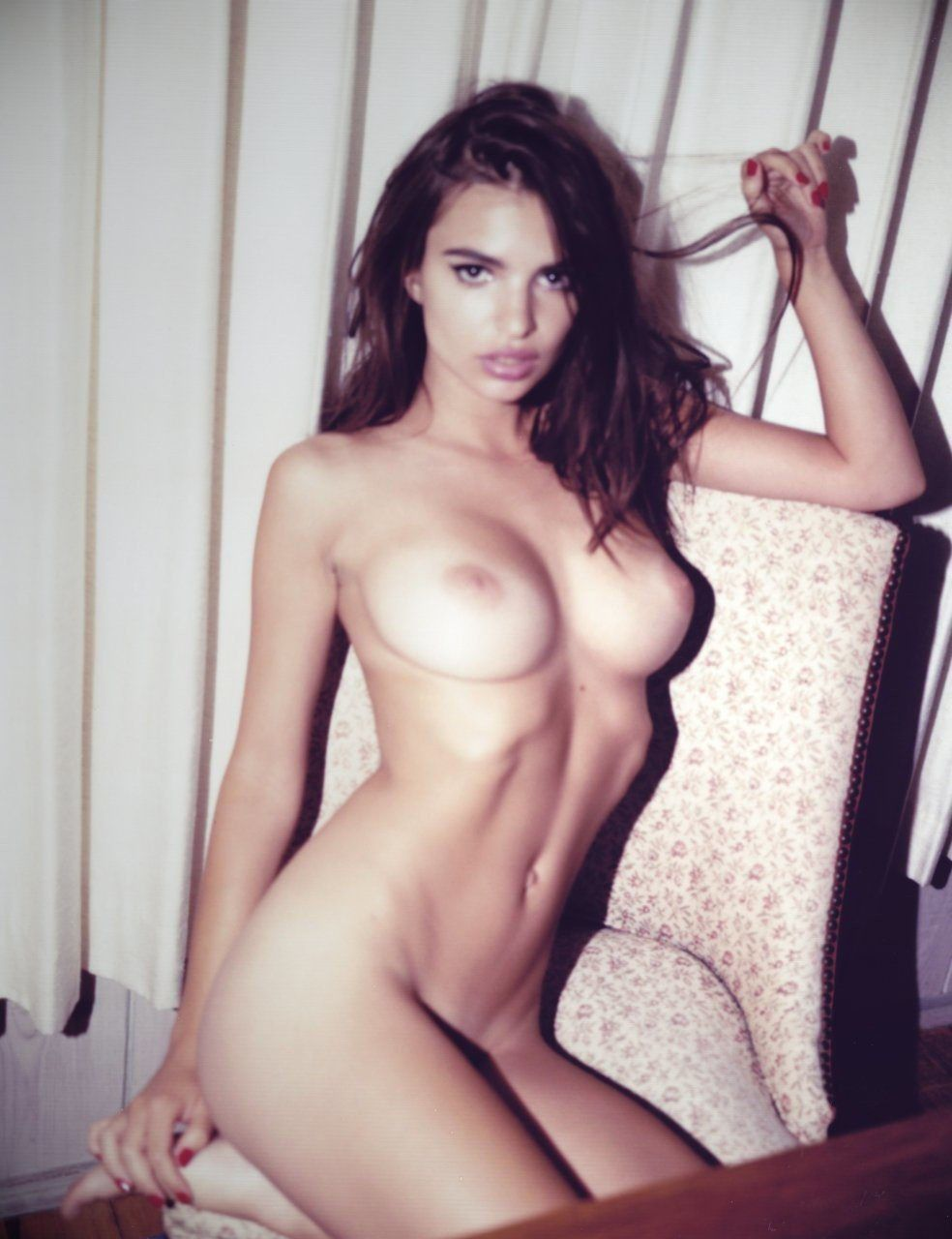 Emily Ratajkowski Naked Boobs