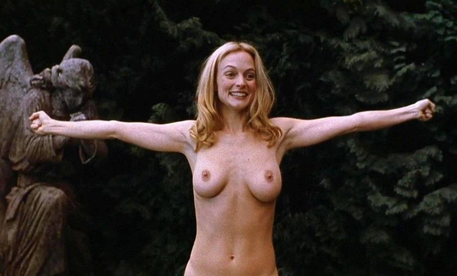 Heather Graham Nude Boobs Photos