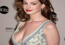 Hollywood Actress Anne Hathaway Sexy Hot Top HD Wallpapers