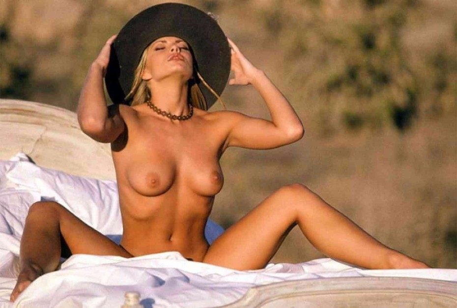 Jaime Pressly Nude Tits And Hot Body