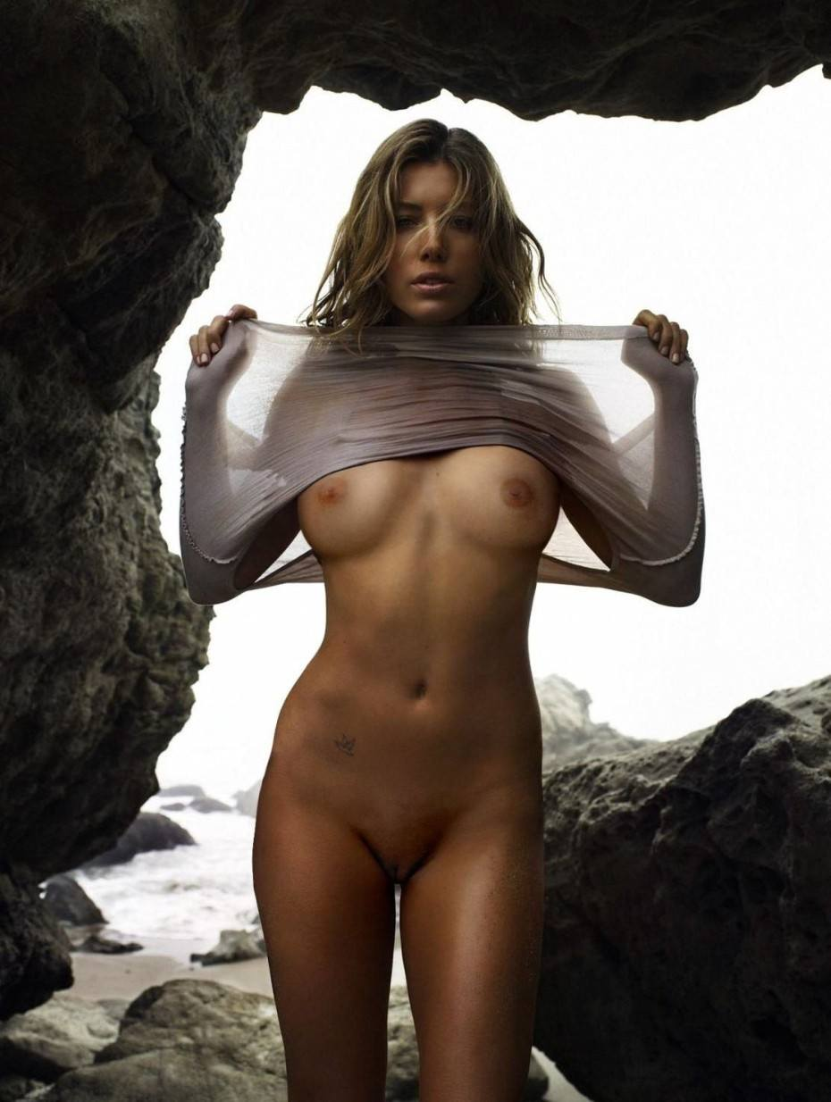 Jessica Biel Nude Tits Images Sexy Pussy