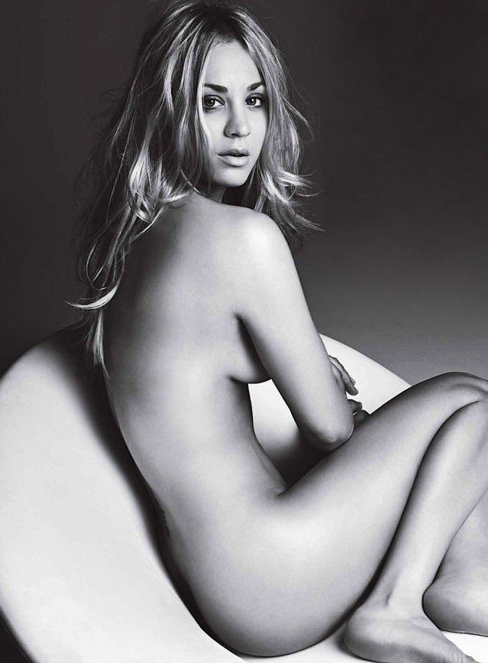 Kaley Cuoco Completely Naked Topless Photo