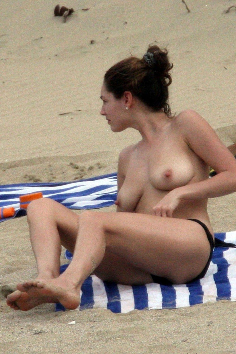Kelly Brook Nude Topless On Beach