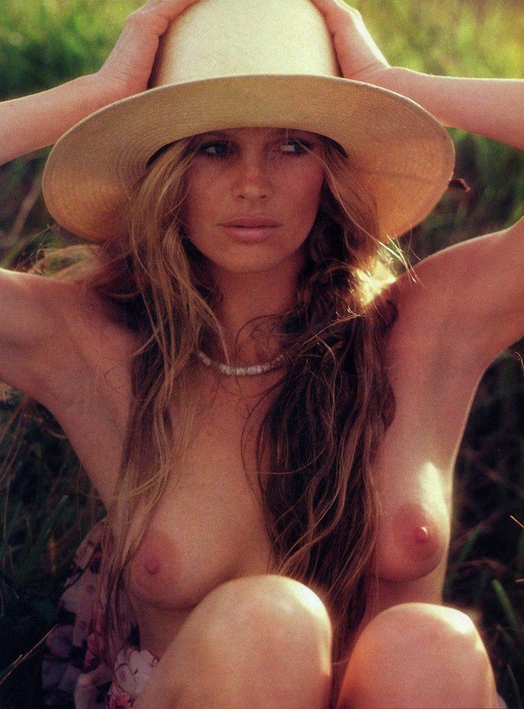 Kim Basinger Nude Topless Showing Sexy Tits
