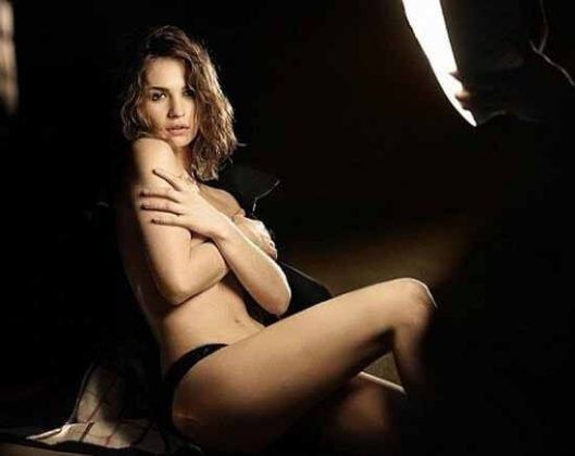 Lily James Nude Cover Tits With Hands