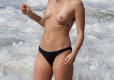Miley Cyrus Topless Naked In Panties