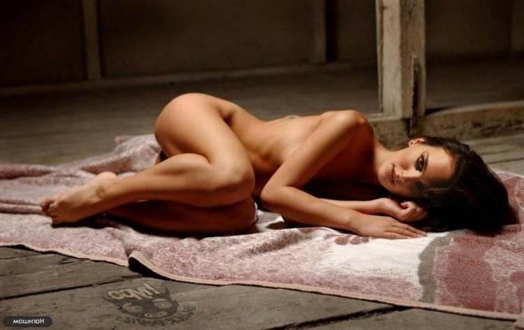 Natalie Portman Nude Completely Showing Sexy Ass