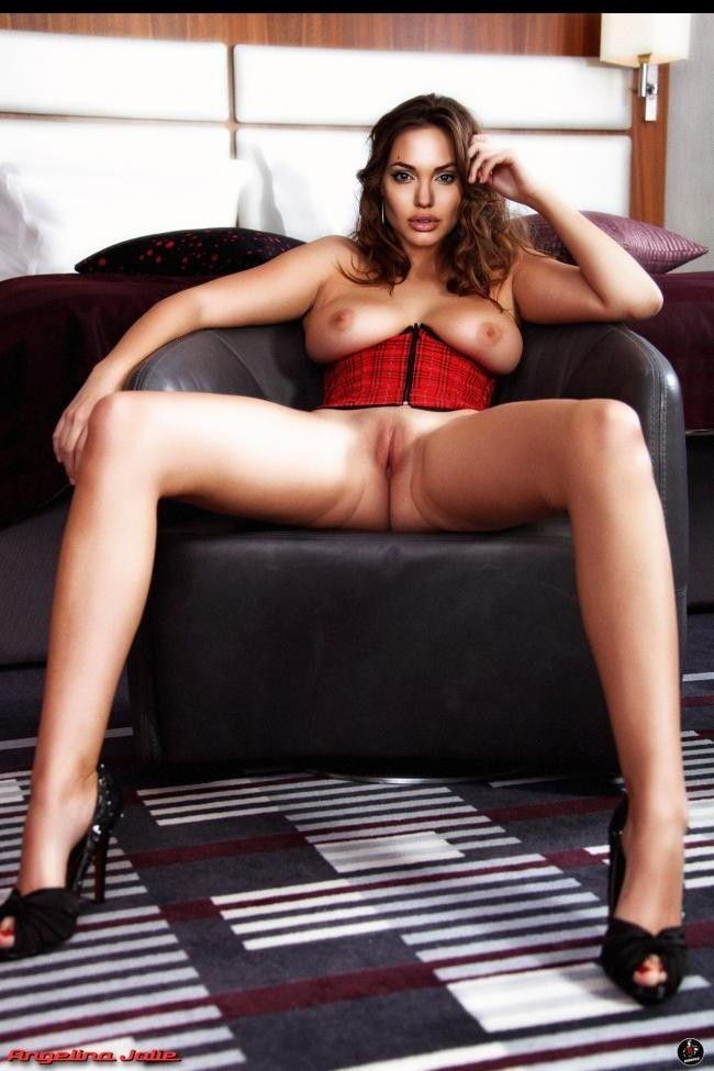 Nude Celeb Photo Angelina Jolie