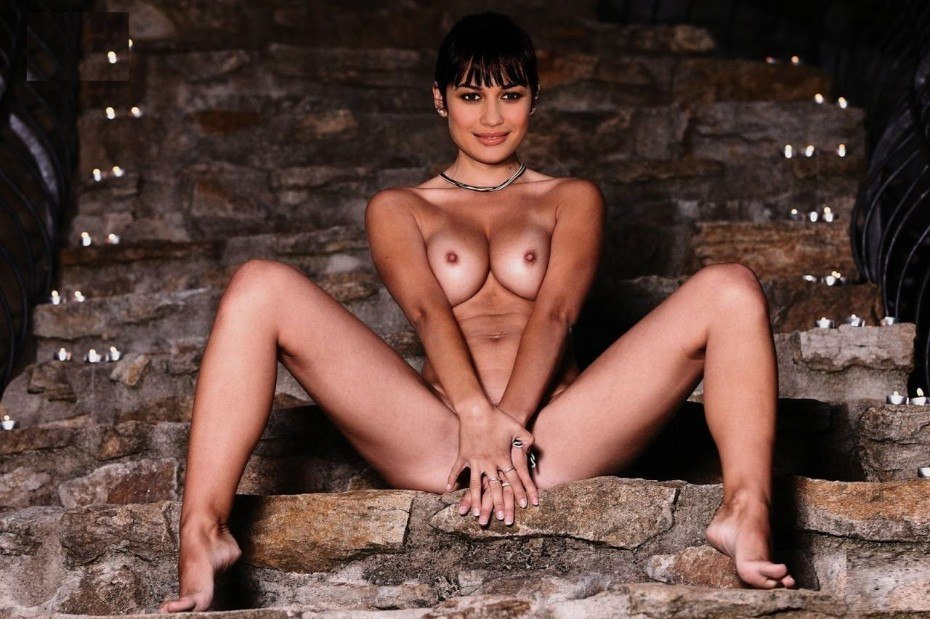 Olga Kurylenko Nude Erotic Sex Naked Boobs Images