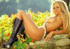 Pamela Anderson Naked Boobs Photos