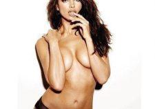 Penelope Cruz Hot Nude Boobs Wallpaper