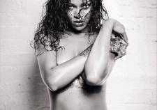 Rihanna Nude In Uk Magazine Hd Photos