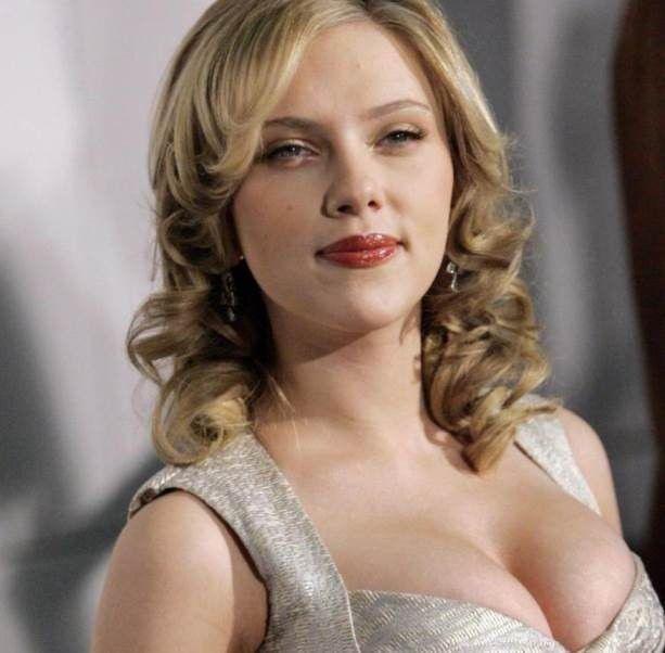 Scarlett Johansson Beautiful Actress Big Boobs In Dress