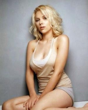 Scarlett Johansson Sexy Actress Big Tits Under Blouse