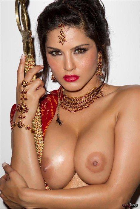 Sunny Leone Famous Pornstar Naked