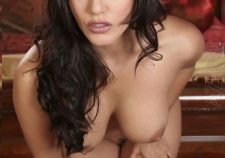 Sunny Leone Nude Boobs Photo