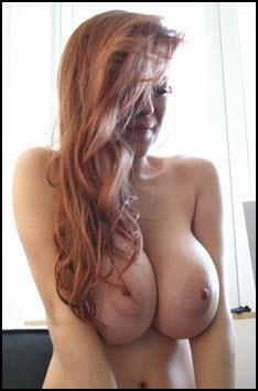 Tessa Fowler Candid Curves