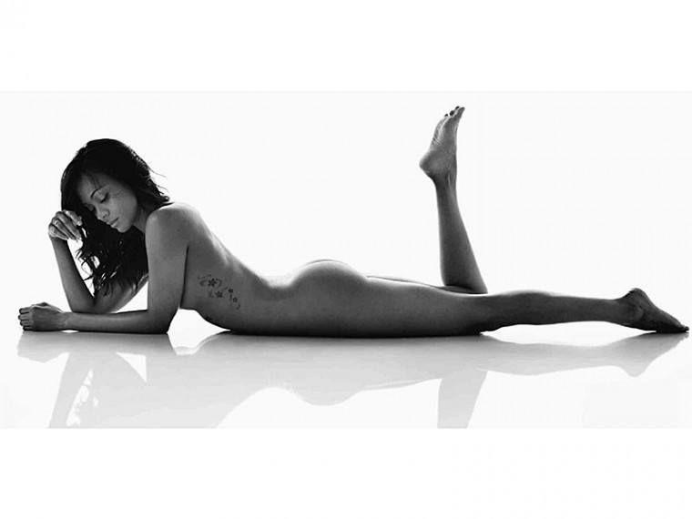 Zoe Saldana Nude And Covered
