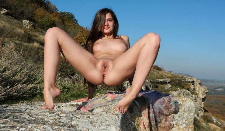 Boobs Teen Legs Spreading Labia Outdoors Beauty Spreading Naked Nipples