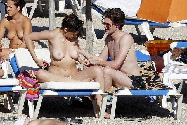 Daisy Lowe Topless