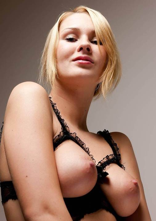 Delicious Teenie Lady Topless In Fantastic Curly Blondy Nakeds