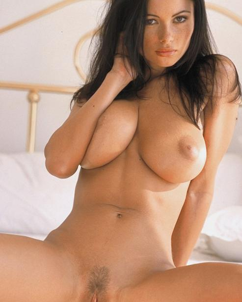 Naked latina full figure