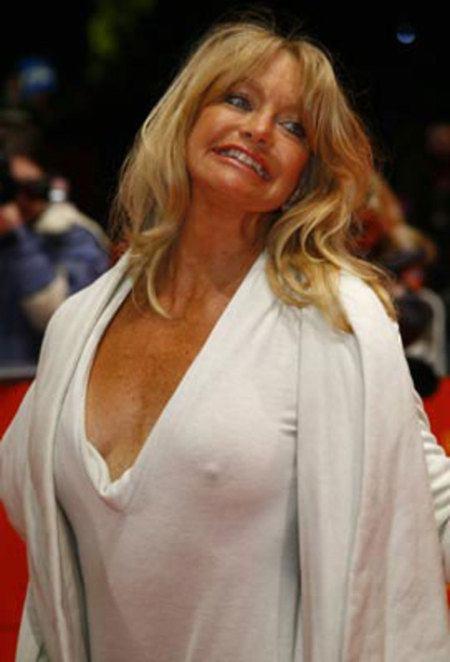 Goldie Hawn Nipple Slip