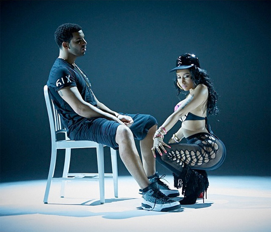 Nicki Minaj Lap Dance Anaconda