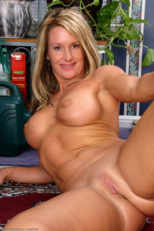Big breasted mama playing with her pussy 10