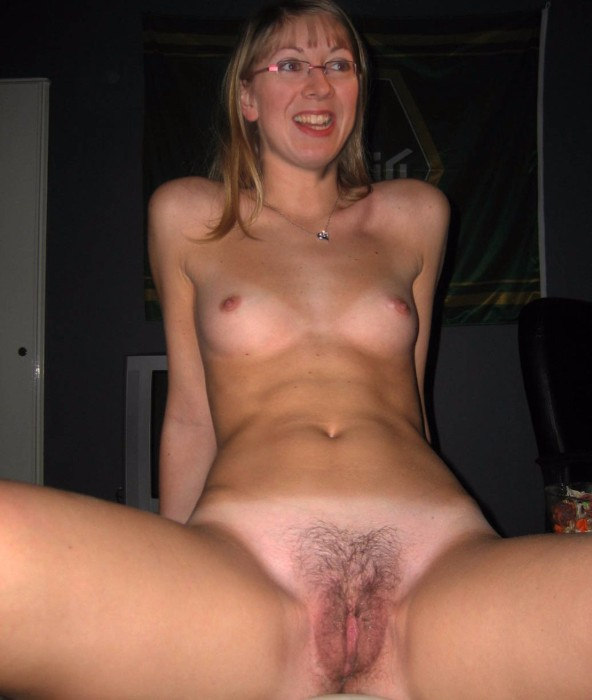 Nude Milf Hairy Pussy