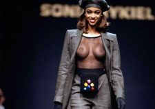 Tyra Banks Topless