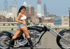 Youpron White Top Outdoors Brunette Legs Sexy Skinny Brunette Delicious Bike