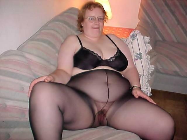 Bbw Mature Woman In Pantyhose