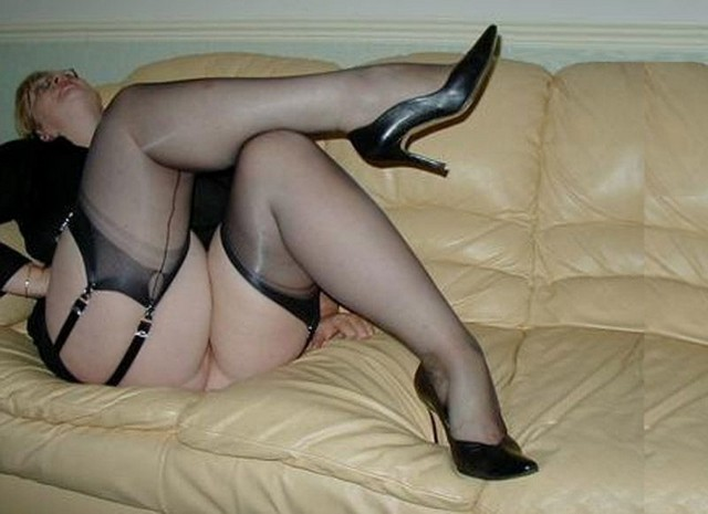 Big Ass Mature Stockings And High Heels