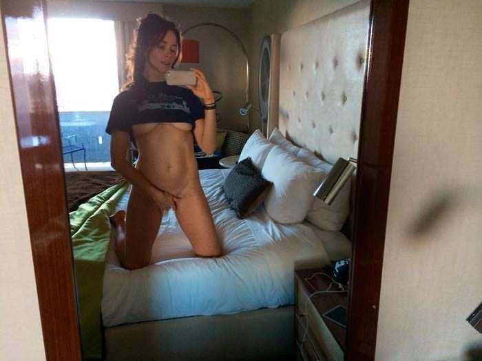 Abigail Spencer Naked Pussy Masturbate