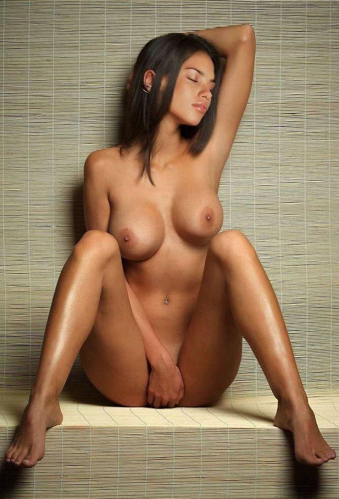 Adriana Lima Porn Naked Pussy