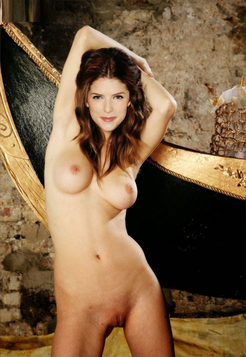 Anna Kendrick Nude Exposing Her Nude Sex Pics