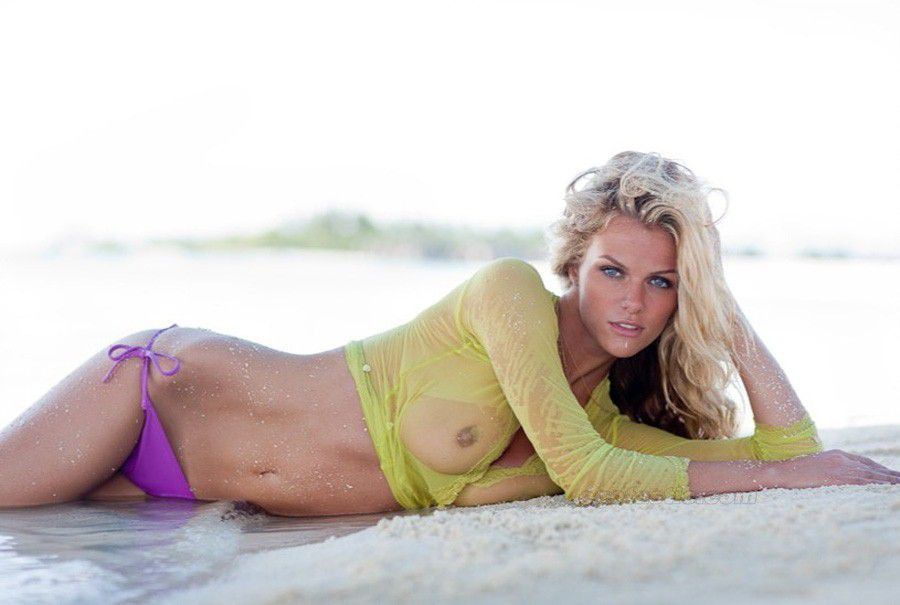 Brooklyn Decker Naked Topless See Through Sexy Photo